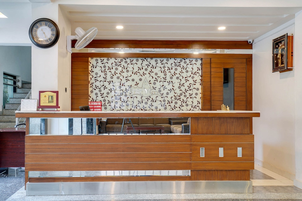 Capital O 49135 Sri Simran Park Hotel, Secunderabad Railway Station, Hyderabad