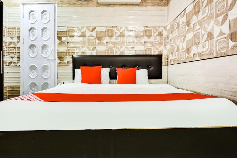 OYO 49160 Hotel Dwarika Inn