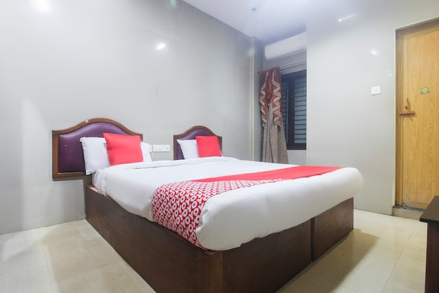OYO 49165 Hotel Shree Sheela