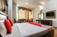 OYO 49246 Hotel Hallmark Regency Suite