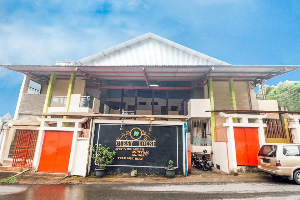 OYO 1448 Mangga Dua Guest House, Ambon Kota, Ambon
