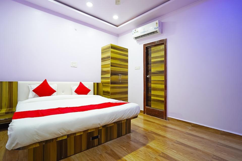 OYO 49318 Bm Hotel