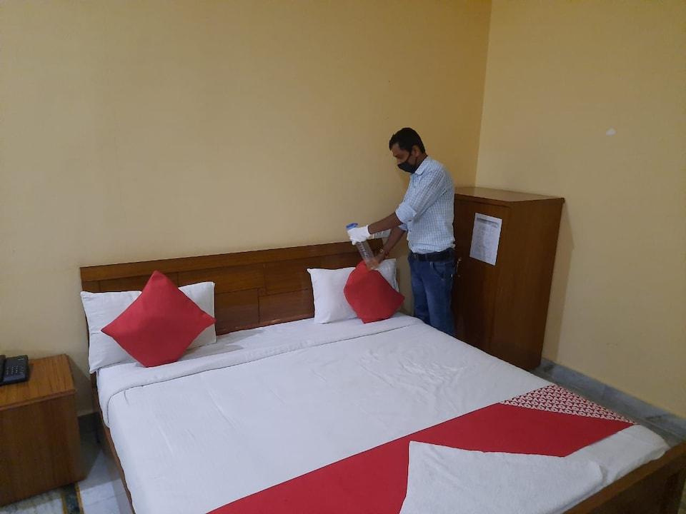 Capital O 49341 Sankalp Hotel