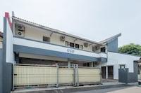 OYO 1460 Anyelir Residence