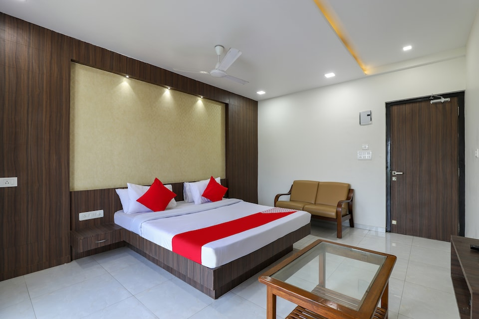 OYO 49438 Hotel King Resort