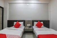 OYO 49471 Hotel Cm Palace NON