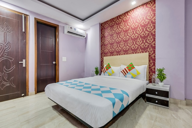 OYO 49508 Pleasant Stay Hauz Khas Metro