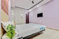 OYO Home 49508 Pleasant Stay Hauz Khas Metro