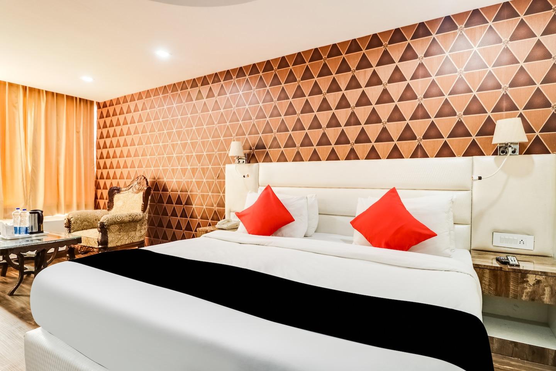 Capital O 49540 Royal Park Resorts -1