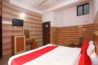 OYO 49556 Hotel Shree Maa Palace