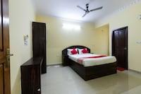 OYO 49560 Srinivasa Residency