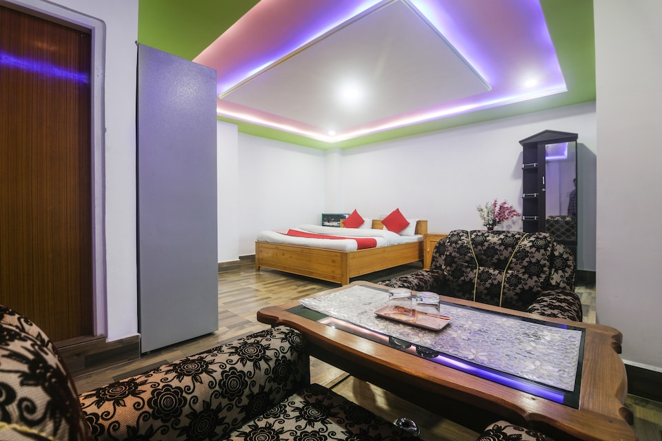 OYO 49561 North Hill Home Stay