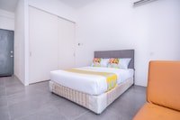 OYO Home 89360 Elegant 1br Empire Damansara