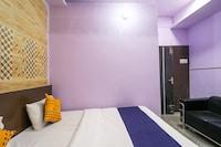 SPOT ON 49590 Hotel Rihno
