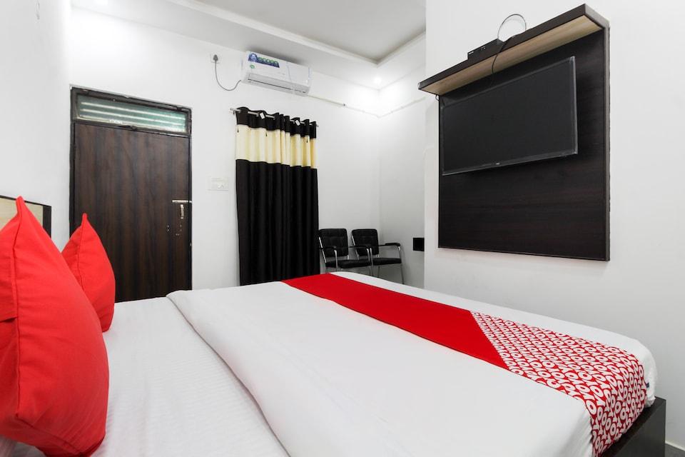 OYO 49595 Hotel Enroute Taj