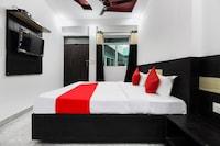 OYO 49595 Royale Inn