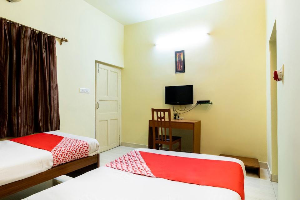 OYO 49605 Le Residency