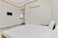 SPOT ON 49618 Hotel Gaytri Palace SPOT