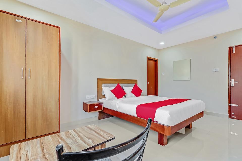 Capital O 49646 Hotel Champion Paradise