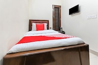 OYO 49672 Hotel Galaxy  Saver