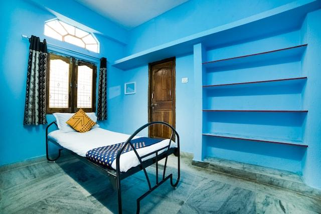 SPOT ON 49699 Laksha Residency SPOT