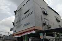 OYO 1495 Hotel Lendosis