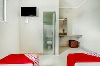 OYO Hotel Economy