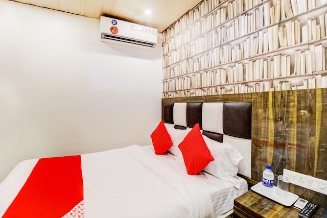 OYO 49759 Hotel Qubic