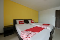OYO 290 Dd Residence Hotel