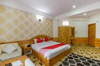 OYO 49764 Hotel Kings Cloud