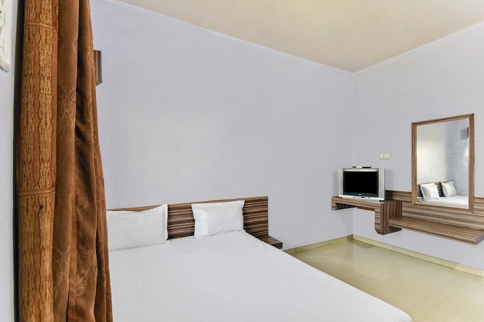 SPOT ON 49785 Sai Aniruddh Palace
