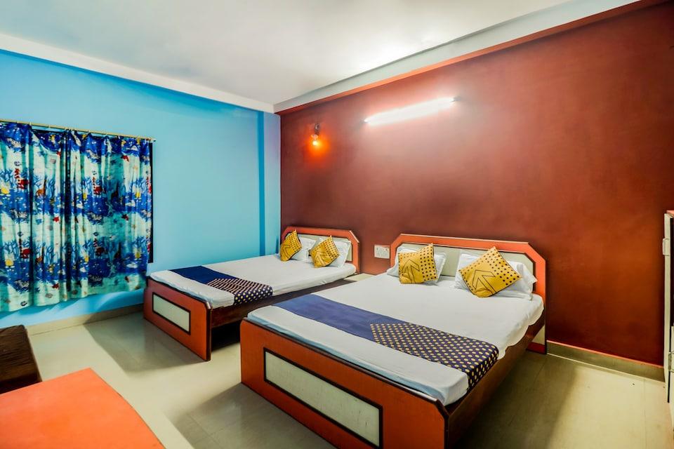 SPOT ON 49799 New Unique Beach Inn