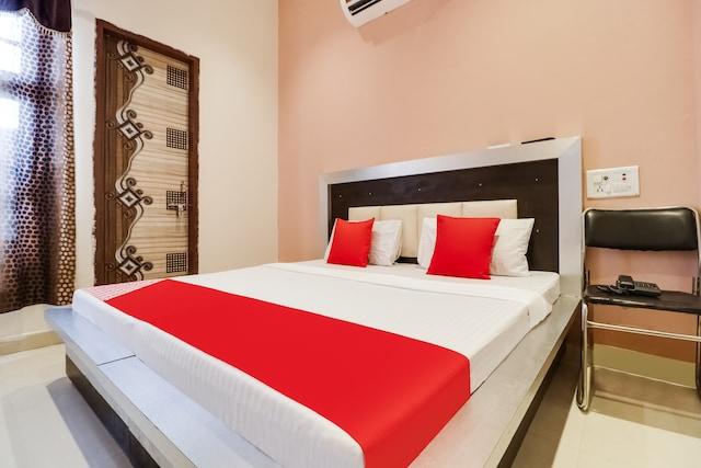 OYO 49824 Dhingra Guest House