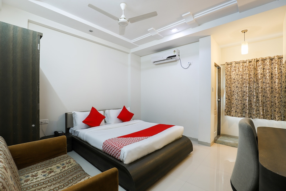 OYO 49837 Hotel Narayan Executive
