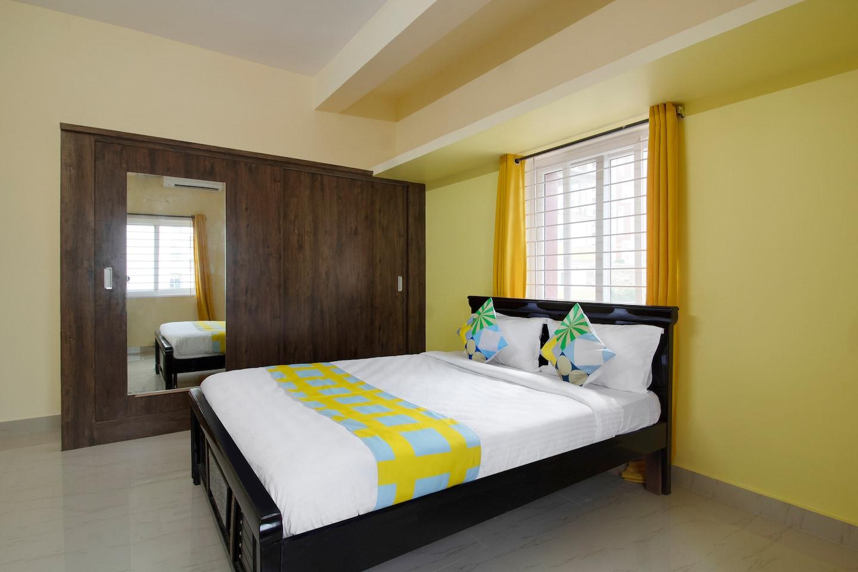 OYO Home 49843 Comfy Stay ISB -1