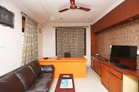OYO 4877 Moon Light Guest House