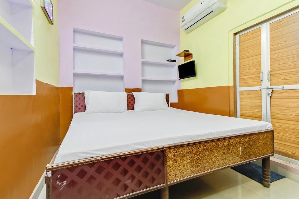 SPOT ON 49885 Om Hotel Salotri