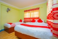 OYO 589 Hotel Trimurti