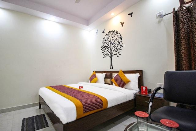 OYO Rooms 502 Ramphal Chowk Sector 7