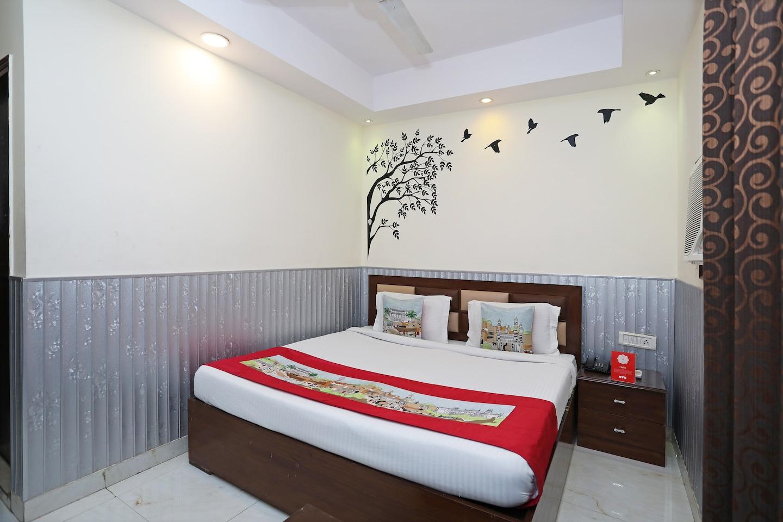 OYO 4882 Hotel Golden Park -1