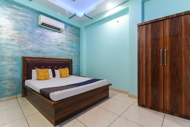 SPOT ON 49931 Hotel Shiv Nath