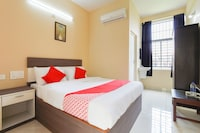 OYO 49965 Golden Residency