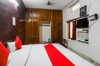 OYO 49975 Hotel Apex