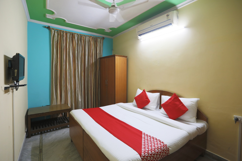 OYO 49985 Singh Hotel -1