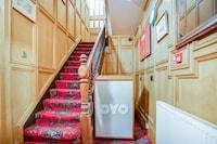 OYO The Rowers Hotel