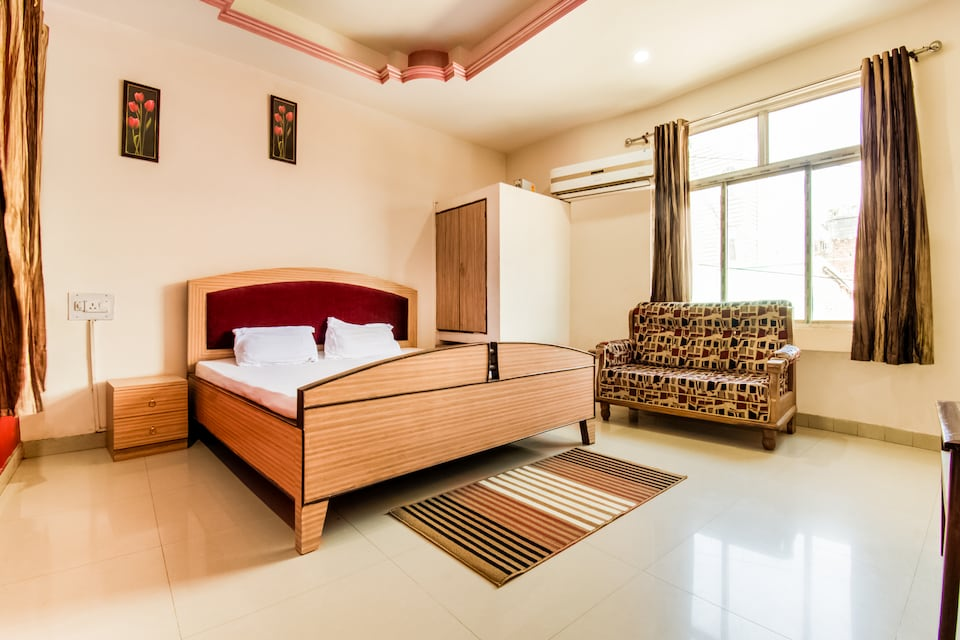 SPOT ON 60056 Hotel Shiv Surya