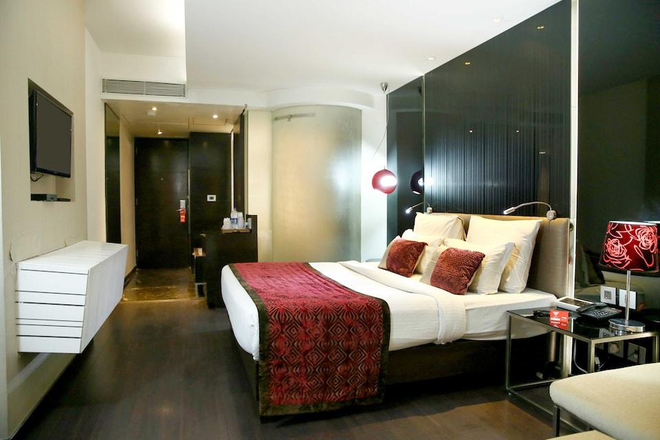 OYO 4896 The Gaur Hotel