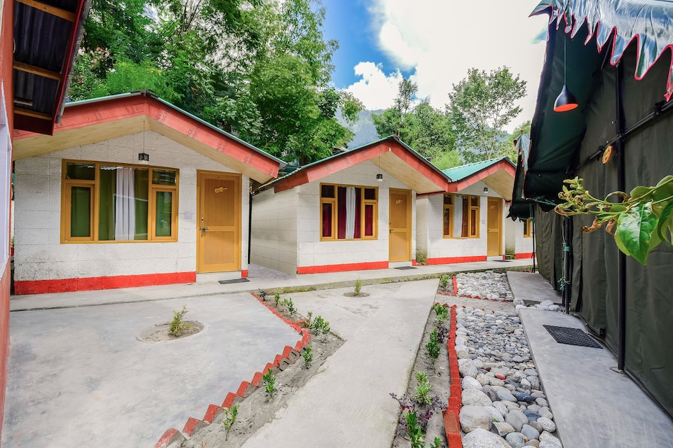 OYO Home 60138 Exquisite River View Cottage Old Manali