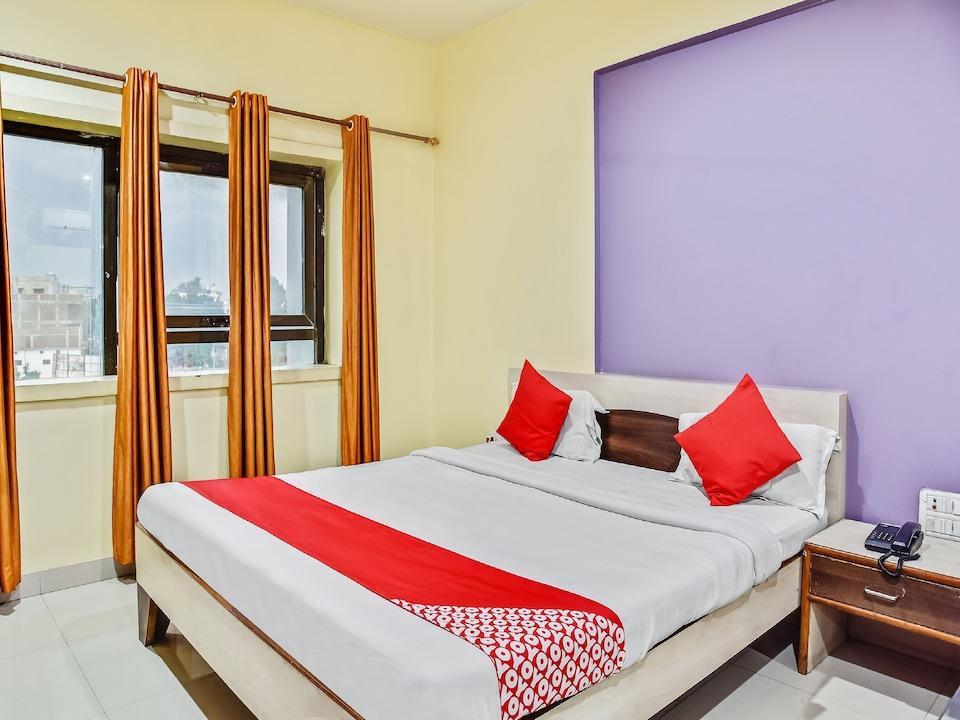 OYO 60102 Hotel Shri Krishn