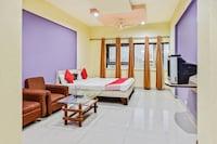 Capital O 60102 Hotel Shri Krishn Deluxe